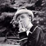 Annette Kolb, nie ohne Hut zu sehen